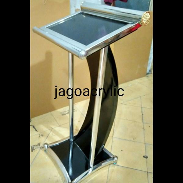 Podium stainless steel & kayu P26