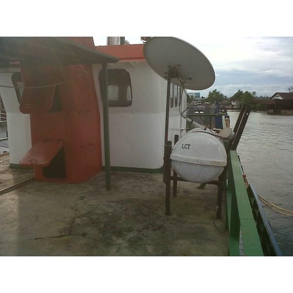 Perahu dan Sampan FJ-LCT