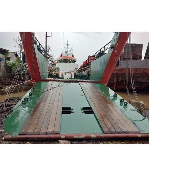 Perahu dan Sampan Landing Craft Tank Build 2017 PGA140518AY