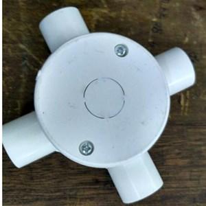 Dari 4 Way Cross Box (With Cover) PVC Conduit Merk Lesso 0