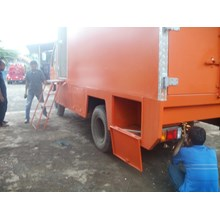 KAROSERI KITCHEN TRUCK    TAIL LIFT GATE