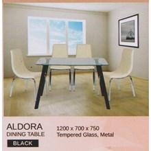 Meja Makan Vittorio Aldora