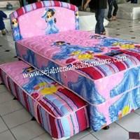 Jual tempat tidur bella 2in1 karakter berbie  2