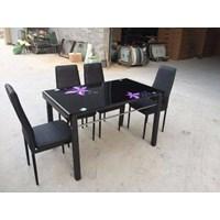 Jual meja makan marmer 866  warna merah merk saf 1 meja makan 4 kursi