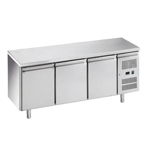 UNDER COUNTER FREEZER 3 DOOR (GN-3100 F)