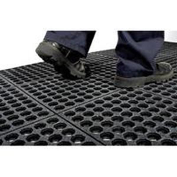 Karpet Karet Interlock / karpet karet bolong