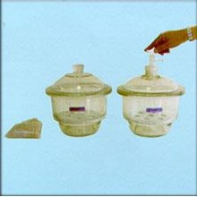 Dessicator /  Alat Laboratorium Umum