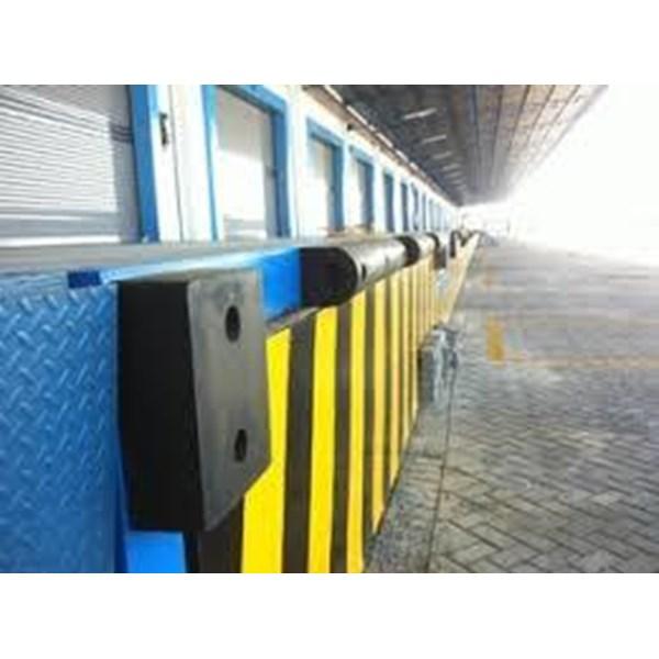 Karet bumper loading dock