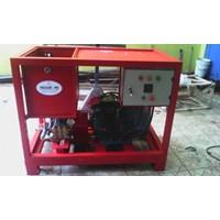 Hydrotest Pump 200 Bar - High Pressure Triplex Plunger  1