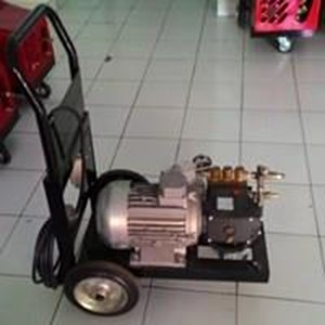 Sell Hydrotest Plunger Pump 120 Bar - Hydrostatic Hawk Pump Ex Italy