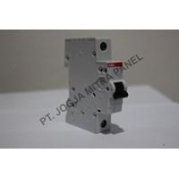 Distributor MCB / Miniature Circuit Breaker  4A 1 PHASE ABB 3
