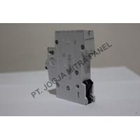 Distributor MCB / Circuit Breaker 32A 1P ABB 3