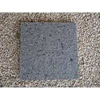 Jual Batu Alam Andesit Bintik Bakar Cipanca