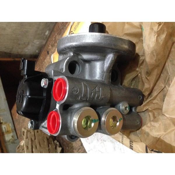 FUEL WATER SEPARATOR MANIFOLD CATERPILLAR 371-3599