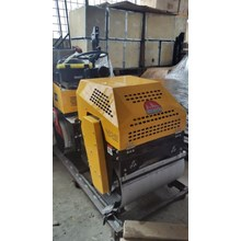 RIDE ON VIBRATORY ROLLER FURD FYL 880 D