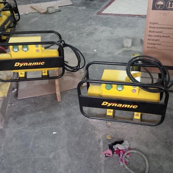 Electric Concrete Vibrator DYNAMIC DHF 54