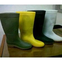 Sepatu Safety boots kuning