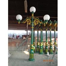 Tiang Lampu Taman DPR