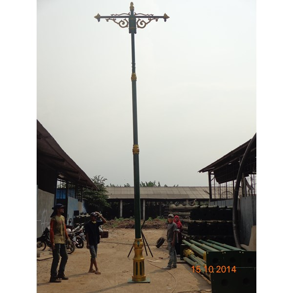 Lampu Jalan PJU Antik