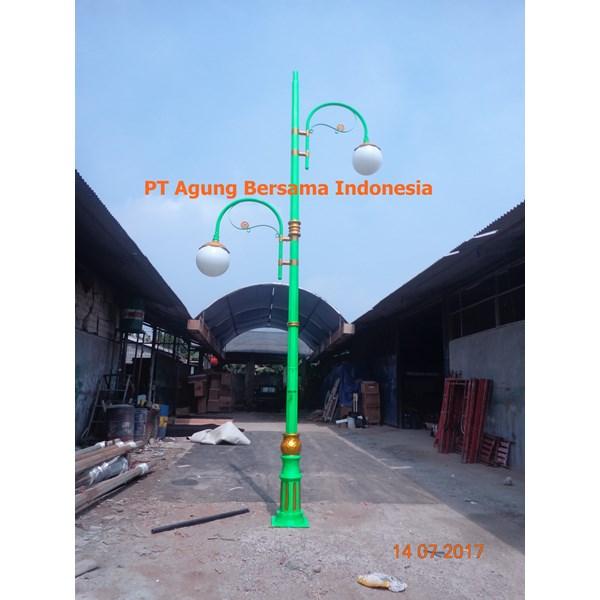 TIANG LAMPU JALAN OKTAGONAL 7 METER Dekoratife