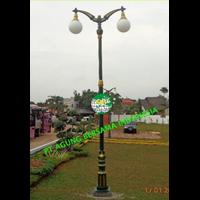TIANG LAMPU TAMAN ANTIK 2 LAMPU