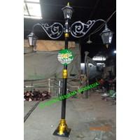 TIANG TAMAN LAMPU ANTIK DECORATIFE
