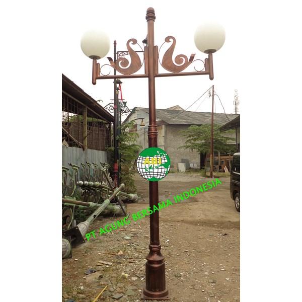 TIANG LAMPU PENERANGAN JALAN KOTA