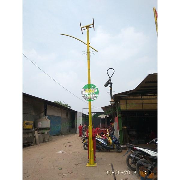 TIANG LAMPU JALAN SOLAR CELL PADANG