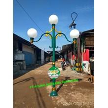 Parliament House Antique Light Pole