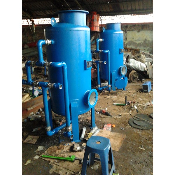 Sand filter and carbon filter tanks