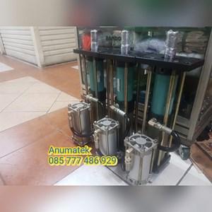 Cylinder Hydraulic KYC Kapasitas 5Ton.