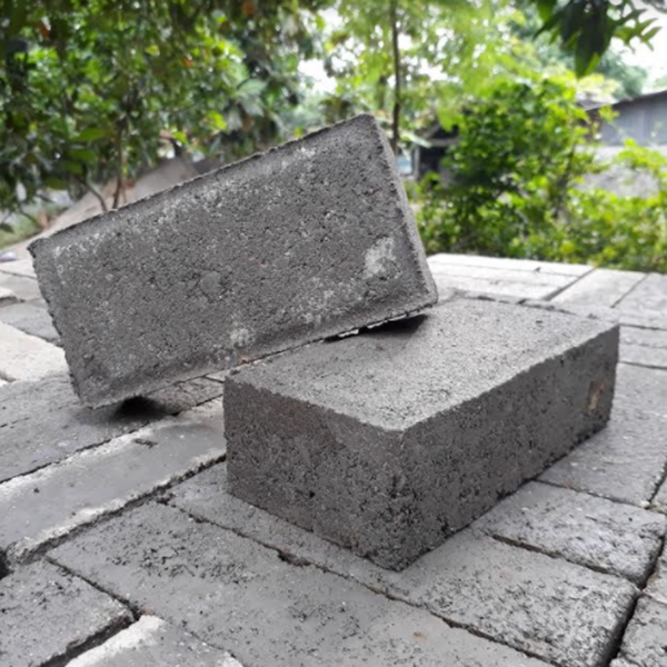 Paving Block Segi Empat (Bata) 6 Cm