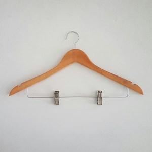 Gantungan Baju Kayu 6822