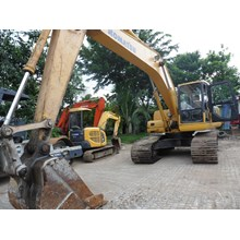 FOR RENTAL - SEWA :Excavators  Komatsu PC200 - PC2