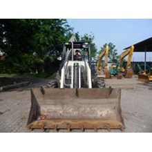 Excavators FOR RENTAL: Backhoe Loader 1 M3 Terex 8