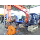 Excavators Hitachi EX100 with Breaker 10 tons RENTAL 2