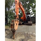 Excavators Hitachi EX100 with Breaker 10 tons RENTAL 3