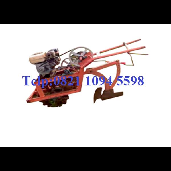 Mesin Penggulud Tanah