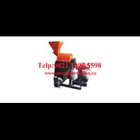 Mesin Penepung Jagung (Hammer Mill) Besi - Mesin Penghancur - Mesin Penghalus Biji-Bijian Kapasitas Mesin 100-200 Kg / Jam