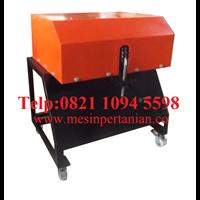 Supplier Mesin Pengupas Batok Kelapa 1 Mata Pisau - Mesin Pertanian - Mesin Pencungkil Tempurung Kelapa
