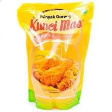 KUNCI MAS MINYAK GORENG POUCH 900 ml