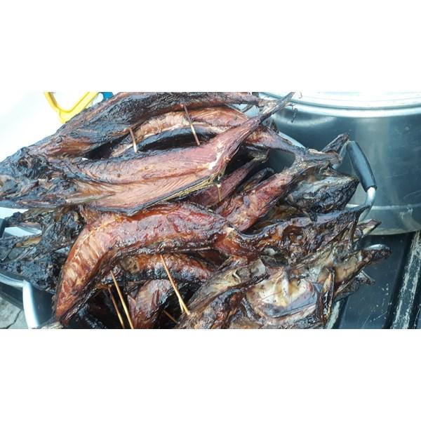 Ikan cakalang asap