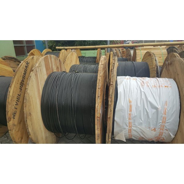 Penarikan Kabel Fiber By PT Gifera Odo Technology