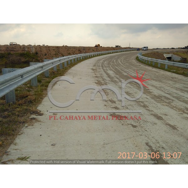 Guardrail Jalan
