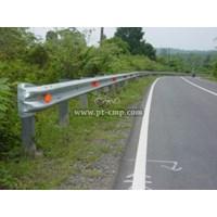 Guardrail Jalan Raya