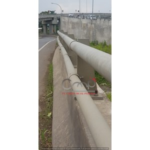 Railing Jembatan