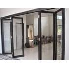 Pintu Folding Kaca Aluminium 3