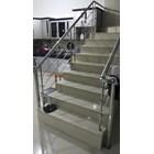 Minimalist Stainless Ladder Grip 3