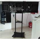 braket tv bracket standing plat kupu kupu dual tv murah 2