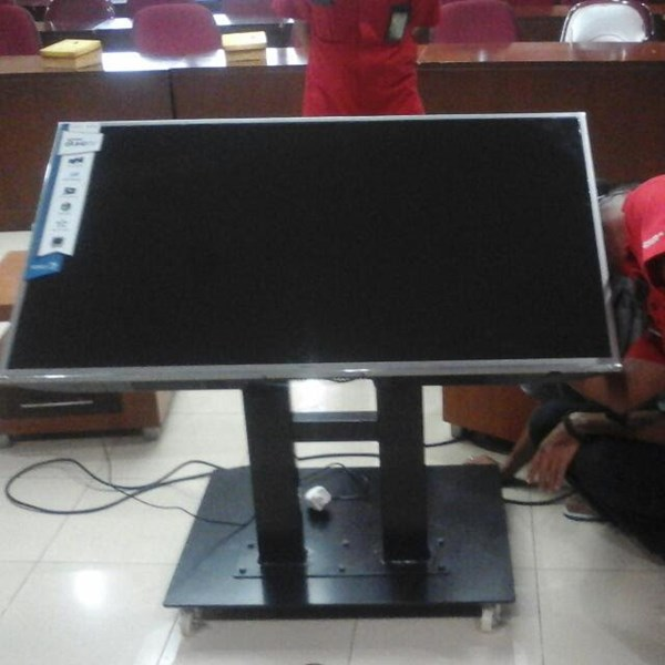 Bracket tv standing meeting room untuk tv 40inch-70inch